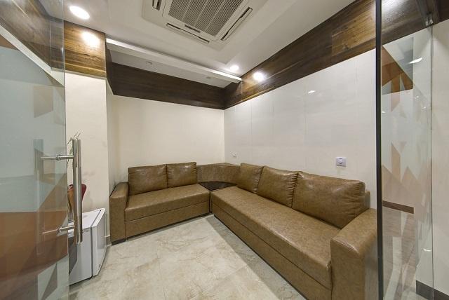 Dental-Implant-Clinic-Langar-House-Hyderabad-India-Lounge